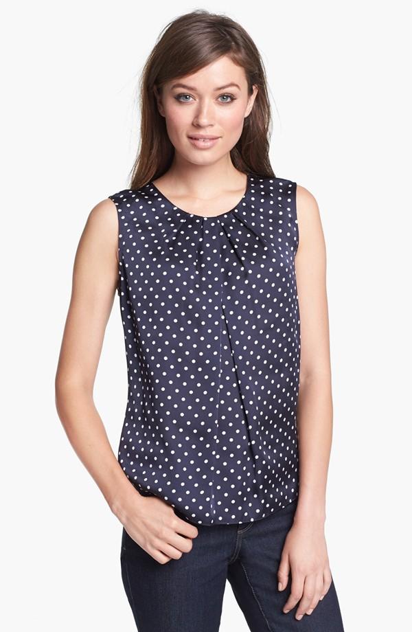 Ladies' new summer  fashionable  short  dot sleeve tops
