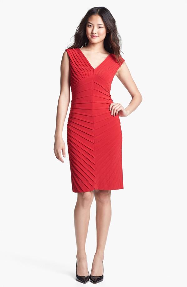 High fashion sleeveless v-neck dress